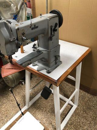 Máquina de coser de brazo Adler 69-