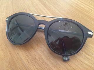 Gafas de sol Loewe como nuevas
