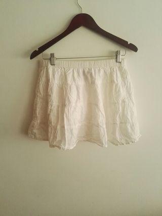 Falda blanca tipo ibicenco de Sfera