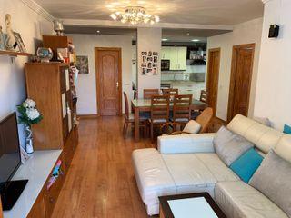 Apartamento semi-nuevo en Vélez-Málaga