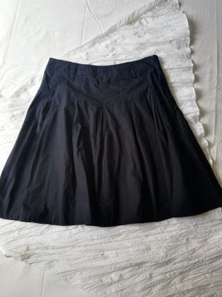 b815f0332 Falda negra ajustada de segunda mano en la provincia de Barcelona en ...