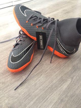 eaa41078318 Botas de fútbol Nike naranjas de segunda mano en WALLAPOP