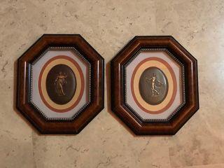 Conjunto de cuadros antiguos con motivos romanos