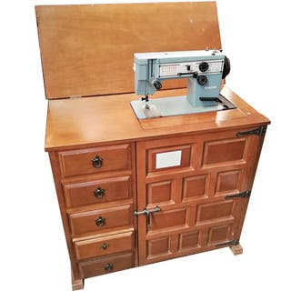 Maquina de coser Singer CASTERAS