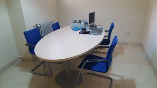 Mesa de juntas + sillas