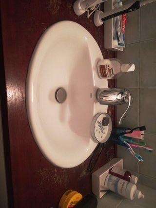 piques-lavabos-griferia
