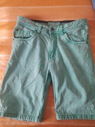 Bermudas Verdes Pull&Bear Talla 40 hombre chico