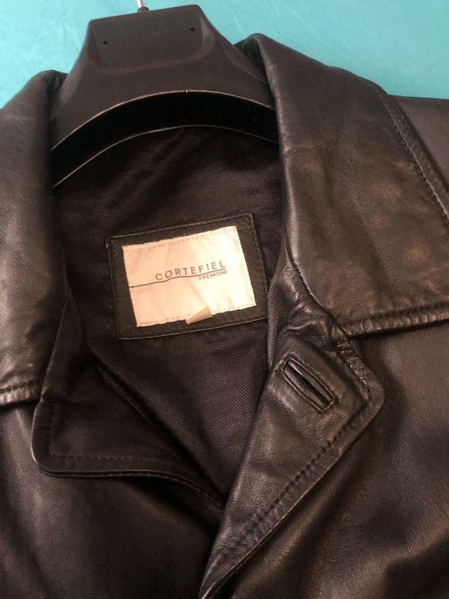 13bc8a54be2660 Americana chaqueta piel negra de segunda mano por 45 € en Alicante ...