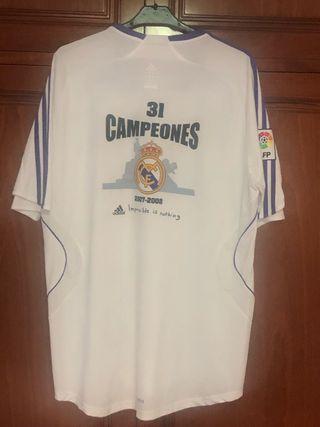 558c1779e Equipación Real Madrid de segunda mano en Los Tomillares en WALLAPOP