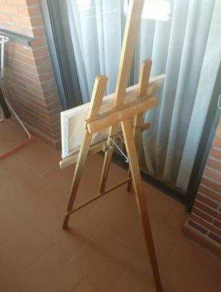 Caballete de madera y regulable para pintura