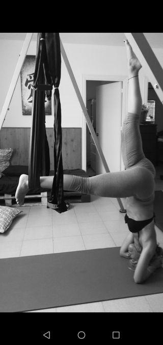 estructura de yoga aéreo