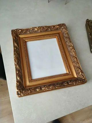 cuadro con marco antiguo