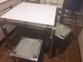 Mesa extensible y sillas de cocina a juego