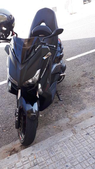 Yamaha xMax 400