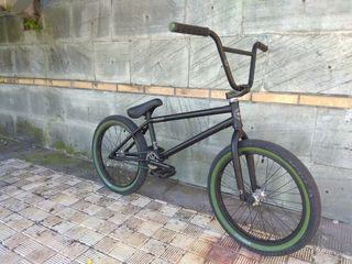 Bicicleta BMX Radio Bikes