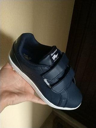zapatillas de deportes Reebok.