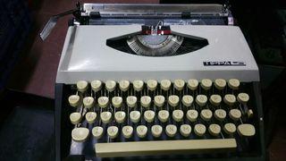 máquina de escribir antigua tippa adler