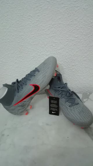 botas de fútbol gama alta nike Mercurial