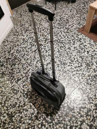 maletin pequeño con ruedas