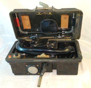 Antiguo teléfono de campo Alemán militar VEB FUNK