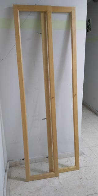 Puertas vitrina estantería Billy de Ikea.