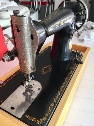 Maquina coser SINGER con maleta viaje años 40