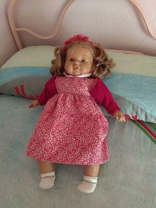 muñeca muy bonita