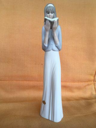 Figura porcelana TENGRA