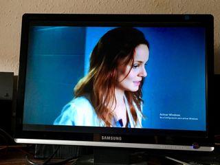 "Monitor Samsung 22"" Lcd HD panorámico"