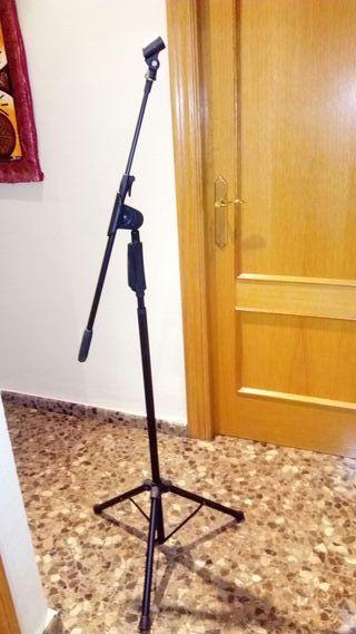 trípode para micrófonos