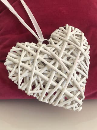 Corazón de mimbre blanco 20x20cm