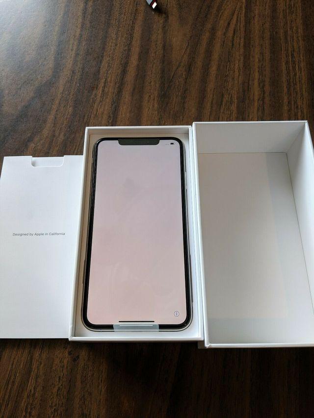Apple iPhone XS Max - 256GB - Plateado