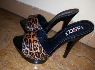 Zapatos/ Sandalias de taco