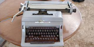 maquina de escribir olivetti línea 88