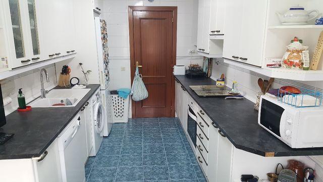 Muebles de cocina color blanco de segunda mano por 250 € en Alcalá ...