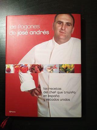 """Libro de cocina """"Los fogones de José Andrés""""."""