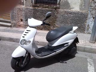 Moto scooter 125 c.c