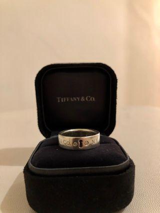Anillo de Tiffany, plata con diamantes