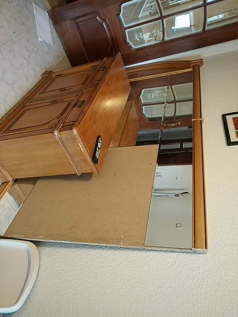 Conjunto de espejo y mueble para entrada