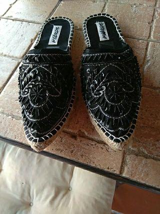 Zapatillas de señora.