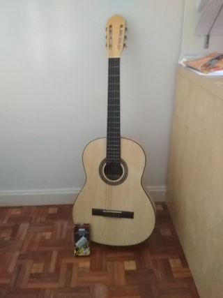 Guitarra española + afinador