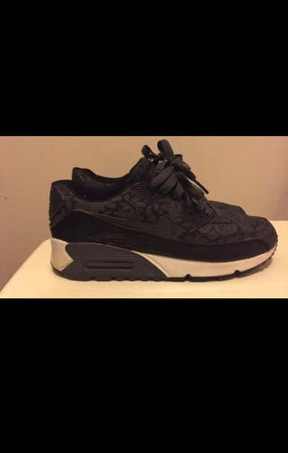 Paire de baskets Nike Air Max
