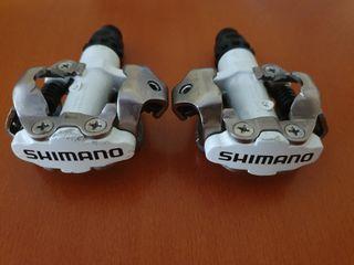 Pedales Shimano M520 SPD Blanco para MTB con calas
