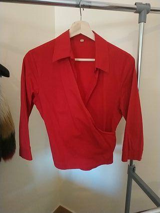 blusa escote cruzado