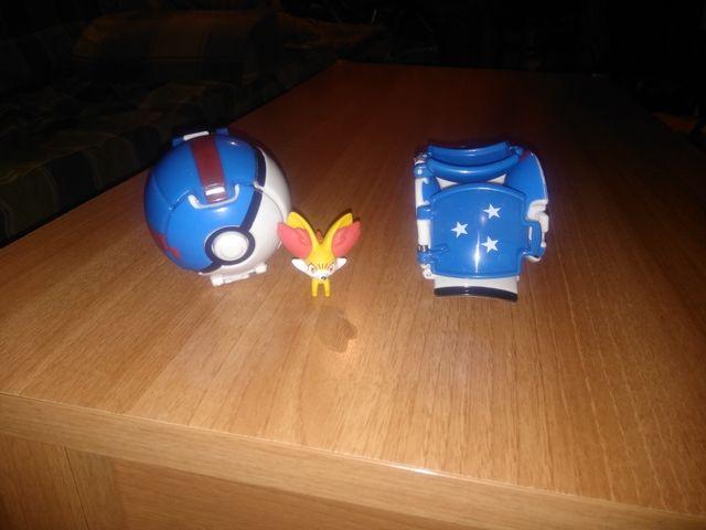bola pokemon + pokemon