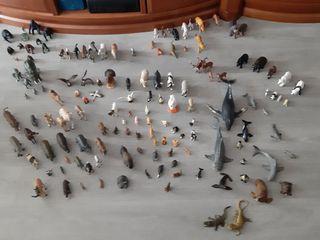 Colección de animales de juguete