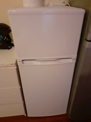 fridge and freezer ( currys Essentials)