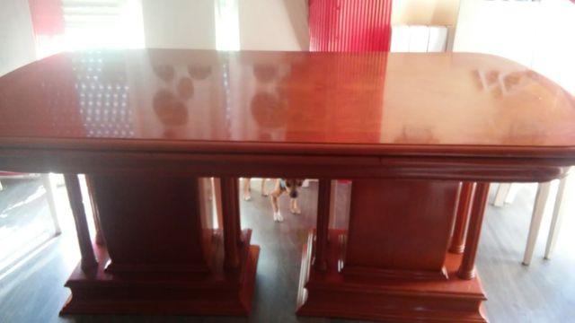 mesa de salón de madera maciza