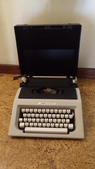 Máquina de escribir Olivetti Lettera 40 (1960s)