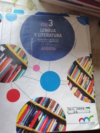 tres libros lengua